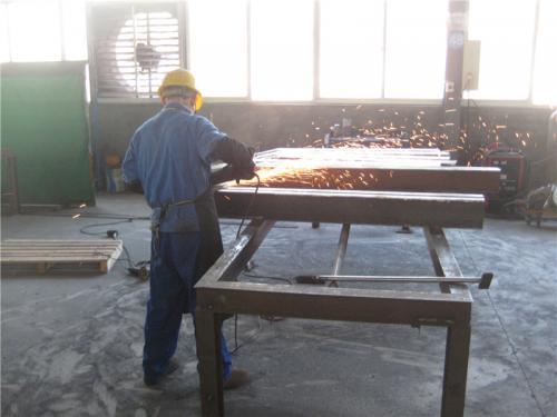 Поглед на фабриката3
