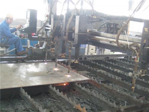 Поглед на фабриката6