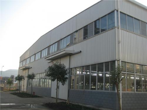 Поглед на фабриката9